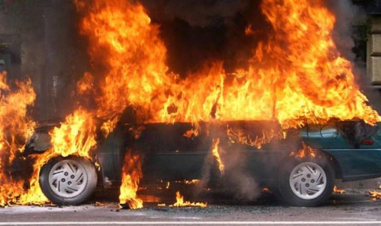 У Яворівському районі згорів Volkswagen…