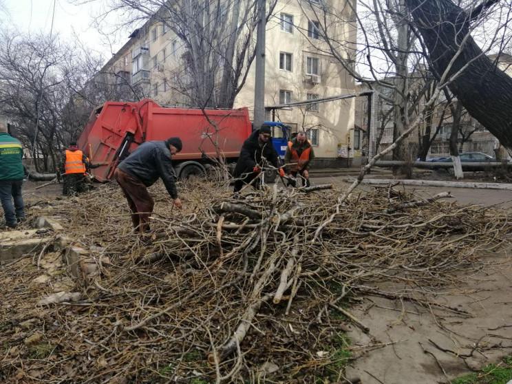 Одеські комунальники продовжують боротьб…