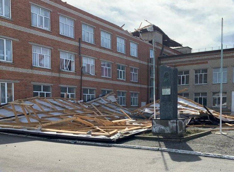 У школи Темрюкського району зірвало дах…