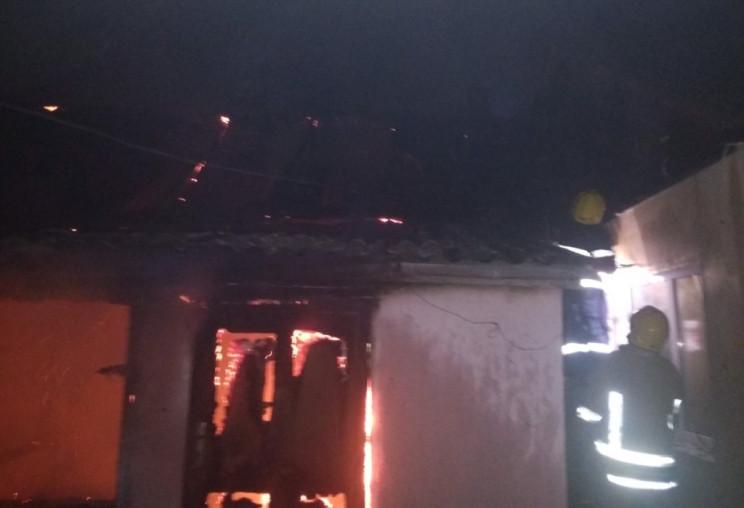 На Херсонщині вночі палав приватний буди…
