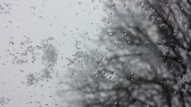 Сумчанам обіцяють дощовий четвер та сніж…