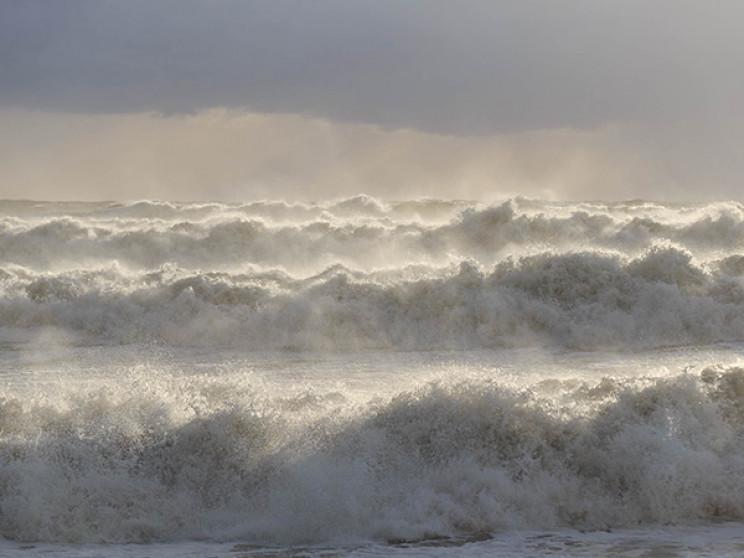 В Сочі дітей, який віднесло в море, шука…