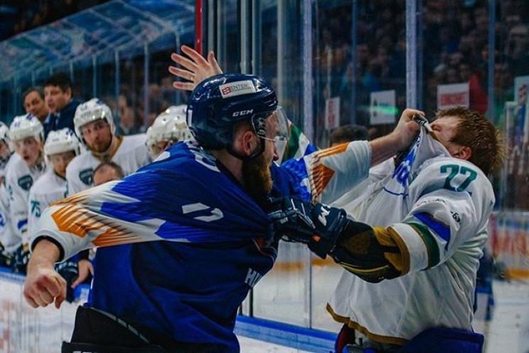 Як брутальний український хокеїст до кро…