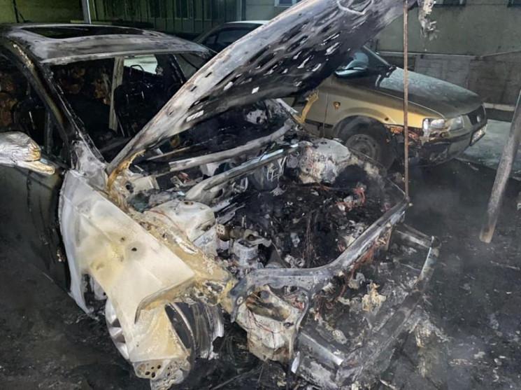 У Полтаві згоріла автівка голови Шевченк…