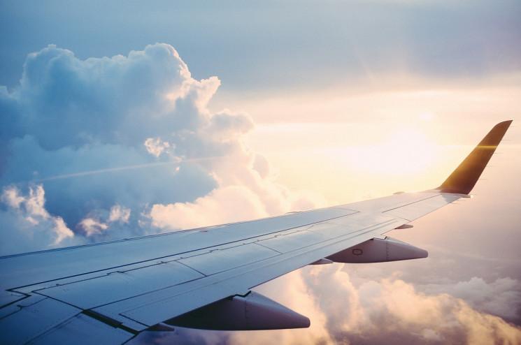 На Росії літак екстрено приземлився чере…