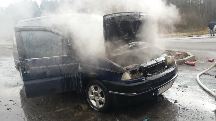 Костопільські вогнеборці врятували автом…