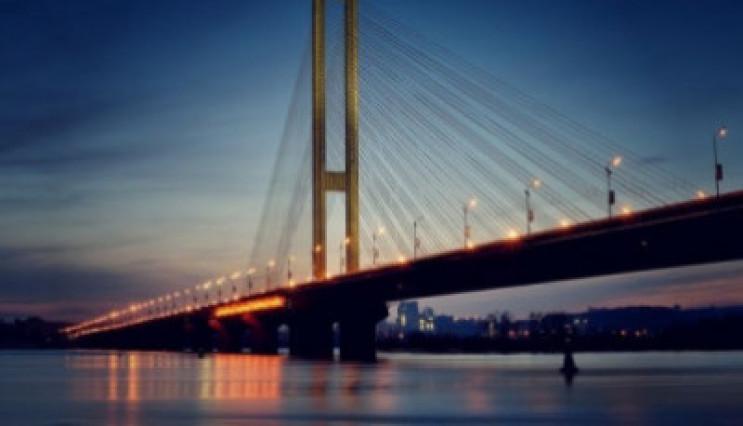 Через ремонт столичний Південний міст кр…