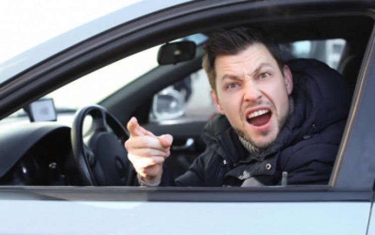 Водители раздражены: Автомобильные пробк…