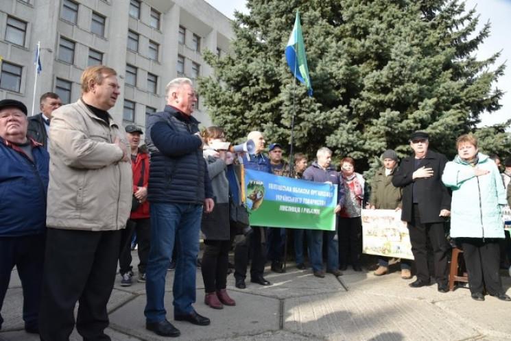 У Полтаві під будівлею ОДА протестували…
