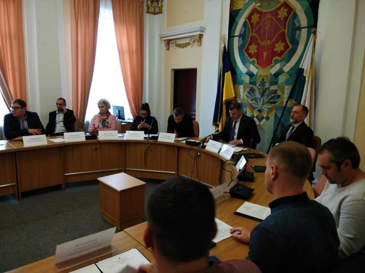 """Власти Полтавы просят """"не разводить пани…"""