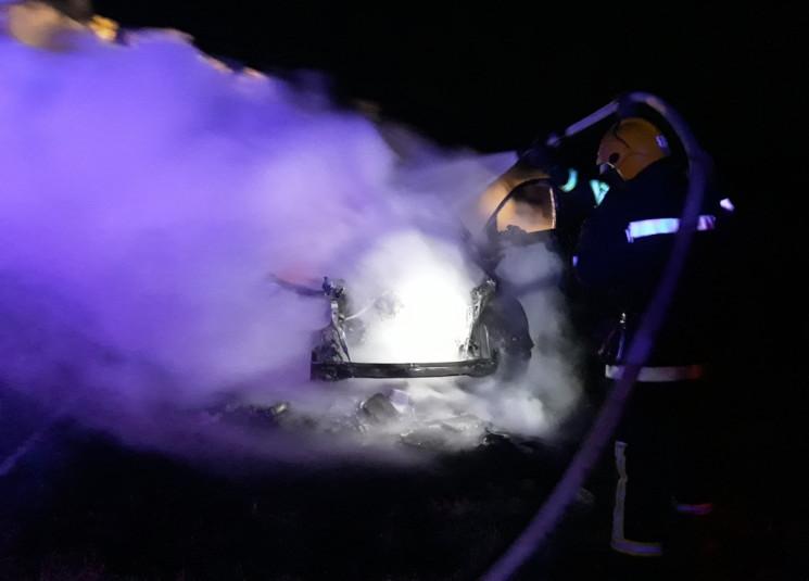 На херсонской трассе ночью дотла сгорел…