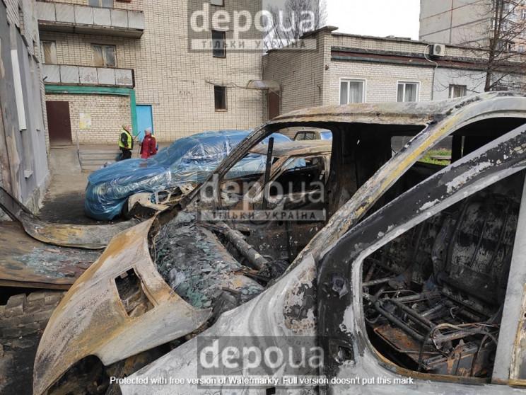 Массовое возгорание авто в Харькове: В Г…