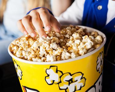 Історія на тарілці: Як попкорн став симв…