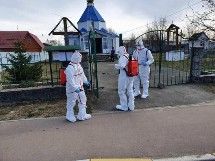 У Радомишлі захворіли п'ятеро прихожан ц…