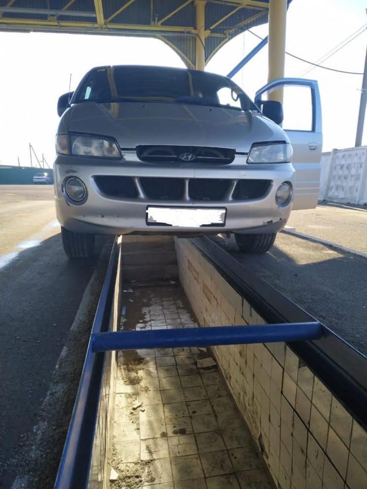 Одесские таможенники нашли в автомобиле…