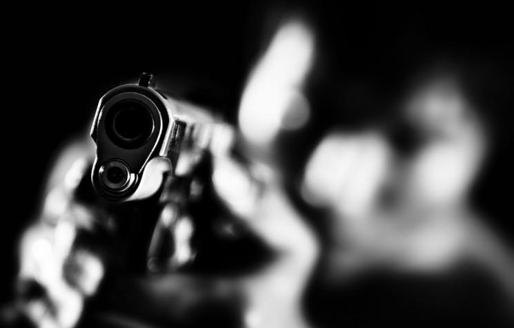 В Харькове мужчина открыл огонь из писто…