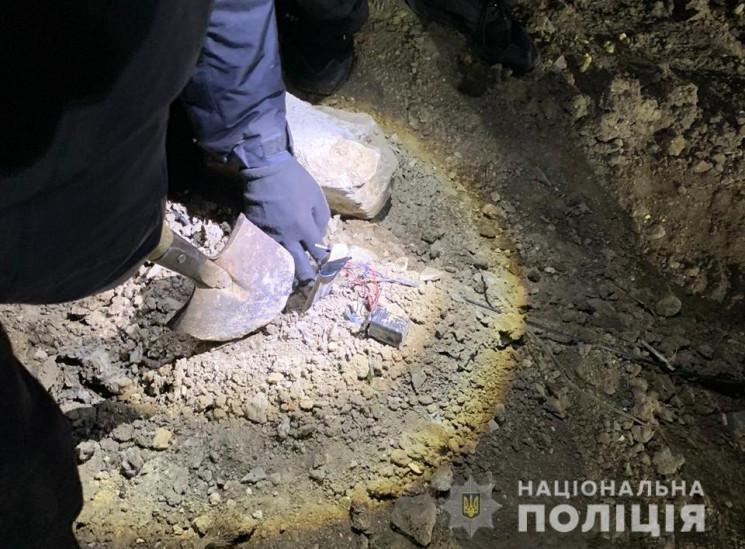 В Одесі невідомий підірвав вантажівку…