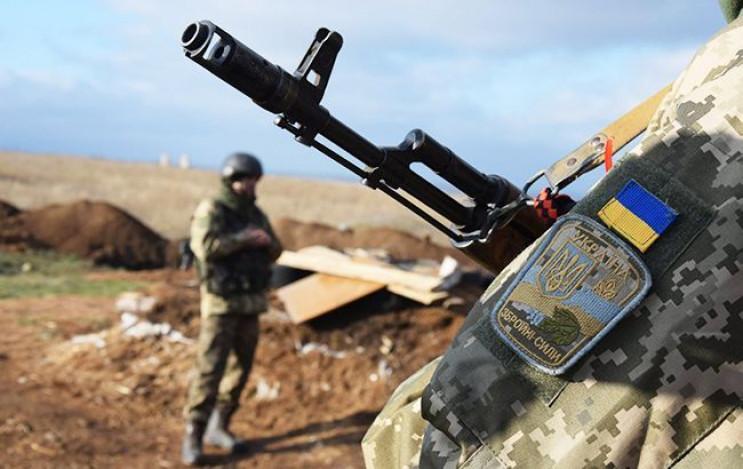 Боевики лупят вблизи Новотошковского из…
