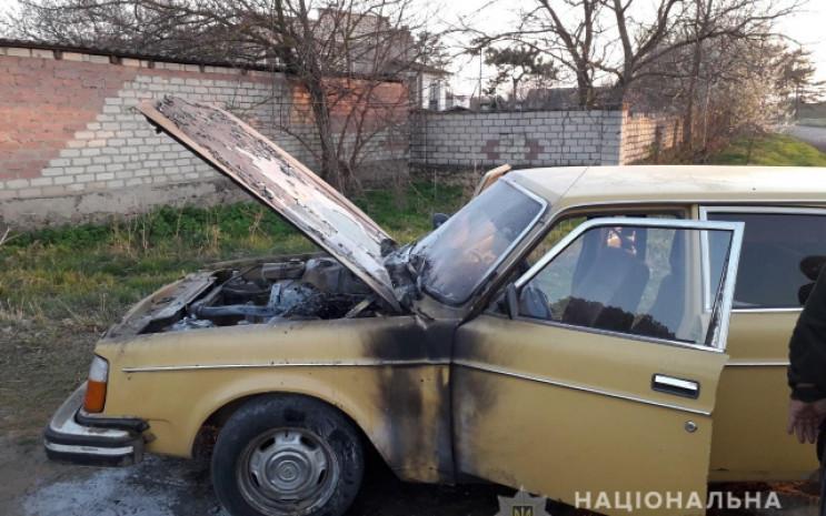 На Херсонщині автомобіль загорівся під ч…