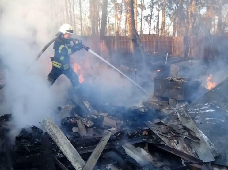 У Херсоні пожежа знищила будинки в дачно…