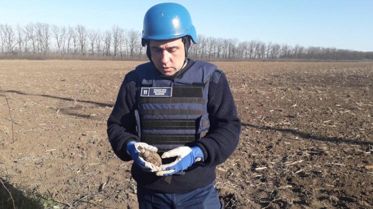 На Кропивниччині у полі знайшли боєприпа…