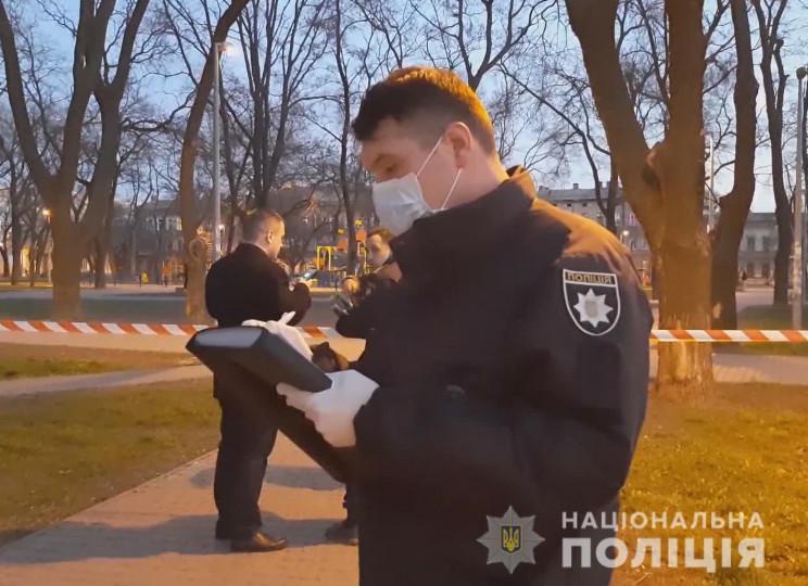В одному зі скверів Одеси іноземець вбив…