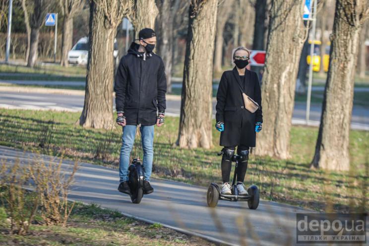Київ на карантині: Колективні пікніки, а…