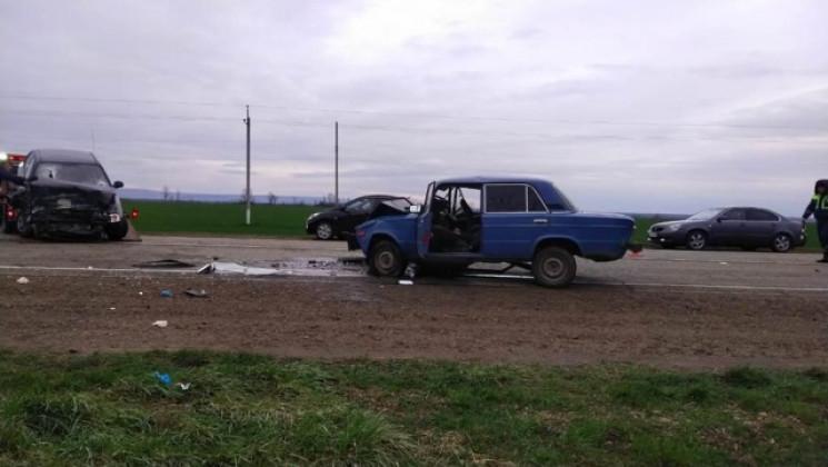 На Кубані водій ВАЗа загинув при виїзді…