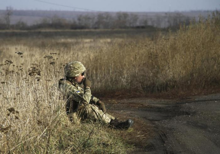 Окупанти на Донбасі випустили п'ять мін…