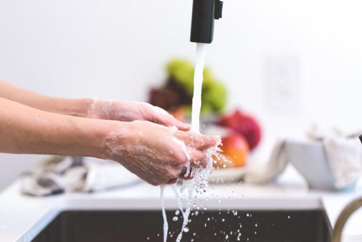 Як приготувати антисептик для рук своїми…
