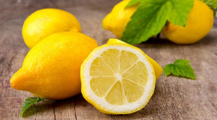 В столичних магазинах лимони коштують вж…