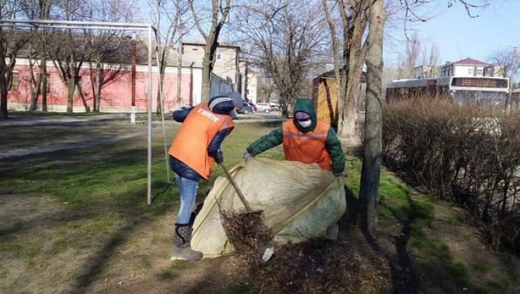 """У Кропивницькому прибирають смітник та """"…"""