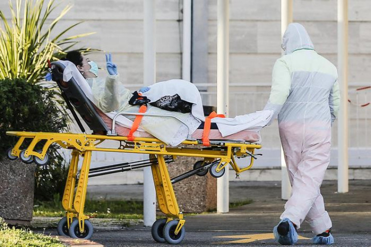 Коронавірус убив понад 2000 людей за доб…