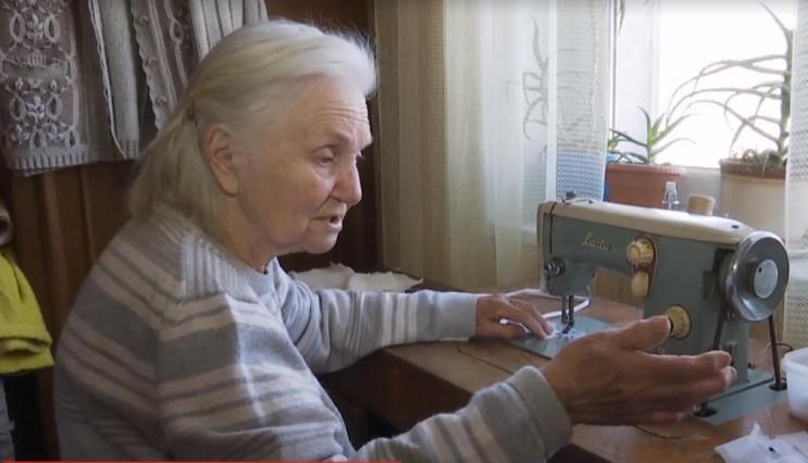 82-річна річна кравчиня з Дубно шиє й ро…