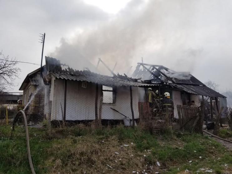 На Виноградівщині вогонь знищив житловий…