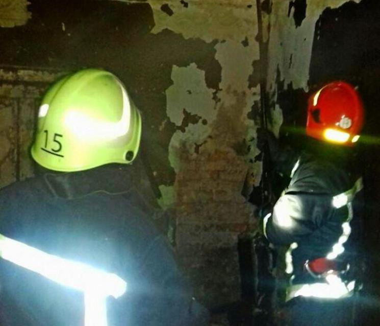 На Тернопільщині згоріла хата разом з го…