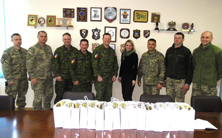 У канадських військових інструкторів-сап…