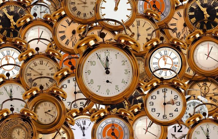 Летнее время: Большинство часов обновятс…