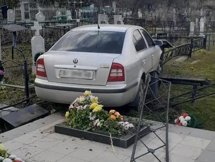 """У Полтаві п'яний водій внаслідок ДТП """"оп…"""