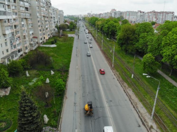 На вулиці Пирогова хуліган з ножем накин…