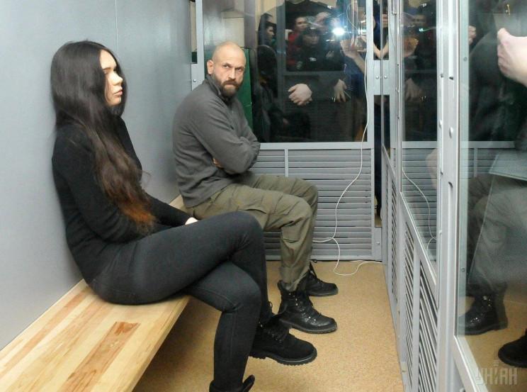На суд по делу Зайцевой-Дронова из-за уг…