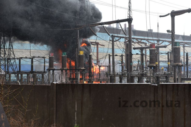 У Запоріжжі палає завод феросплавів…