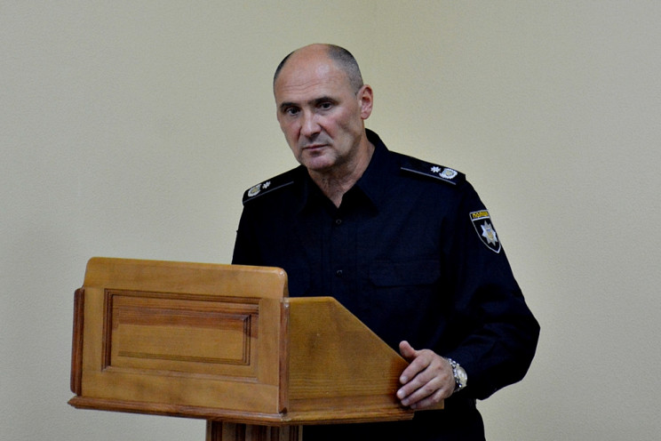 Главный полисмен Харьковщины живет в уни…