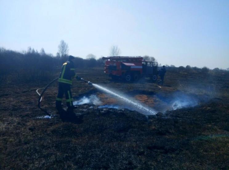 На Київщині масово горять торфовища…