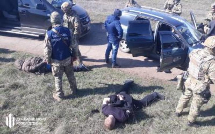 Подполковника СБУ задержали за финансиро…
