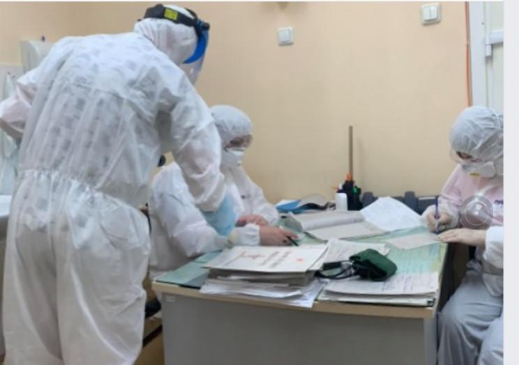 Кількість хворих на коронавірус невпинно…