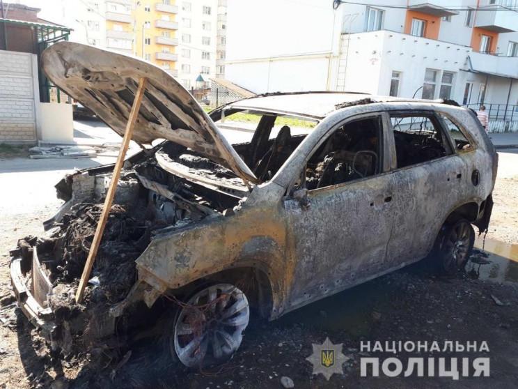 У Вінниці на Старому місті підпалили маш…