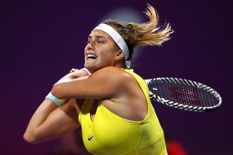 Сексуальная теннисистка поразила открове…