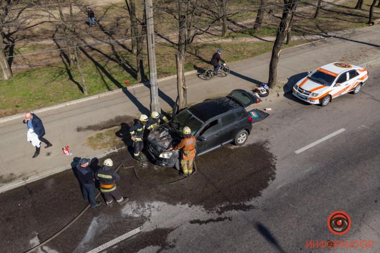 У Дніпрі під час руху спалахнула автівка…