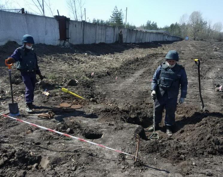 На Харківщині підірвали більше 300 боєпр…
